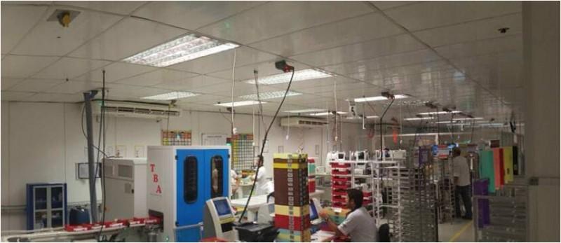 Fábrica de montagem lentes