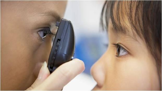 saúde olhos crianca