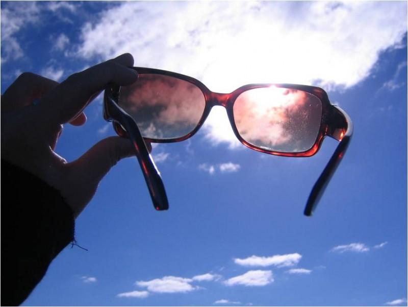 ec7d7f0a2f351 Cores das lentes de óculos  entenda as características de cada uma ...
