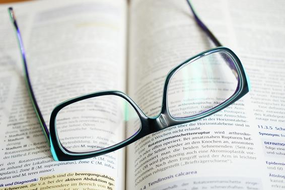 f4065818b Qual a melhor lente de óculos para astigmatismo? - Braslab